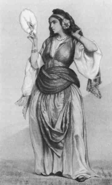 Ретро чернокожие рабыни одевают свою госпожу, красивые стоячие сисечки и попки